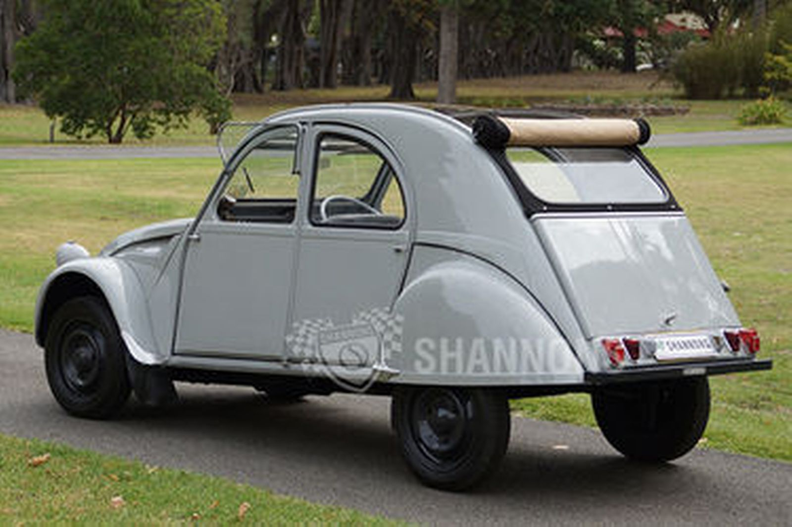 sold  citroen 2cv sedan auctions - lot 18