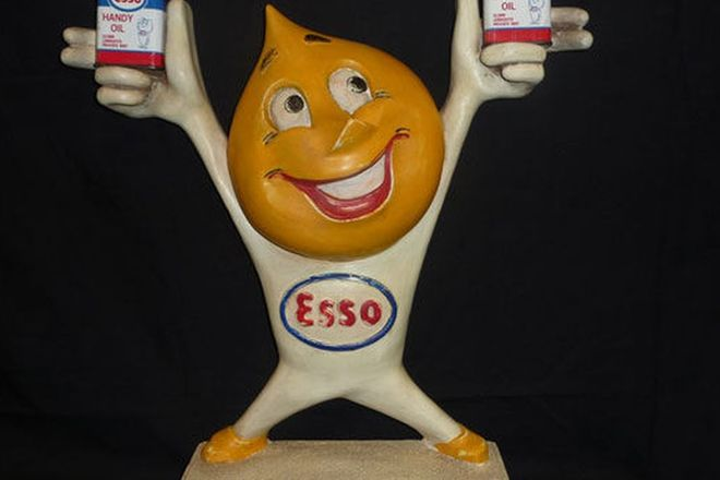 Statue - Esso Oil Drip Man Display Statue (Reproduction) with Oil Cans (H50cm)