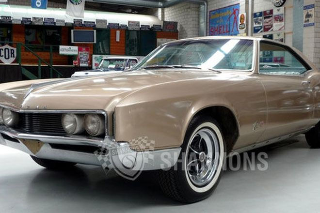 Buick Riviera GS Coupe (RHD)