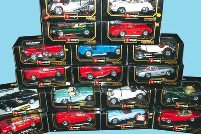 Model Cars - 18 x Burago ( 1:18 Scale)