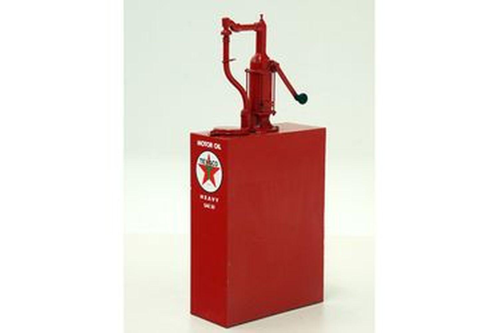 Hi-Boy - Early Rotary Pump Type Restored in Texaco Livery