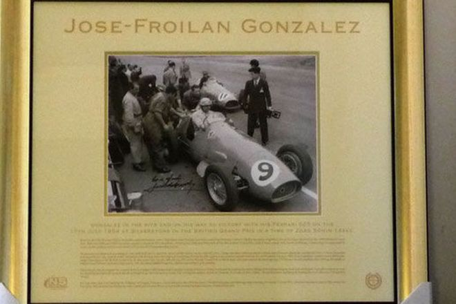 Framed Signed Print - Gonzalez victorious in the 1954 British Grand Prix in a Ferrari 625 (80cm x 70