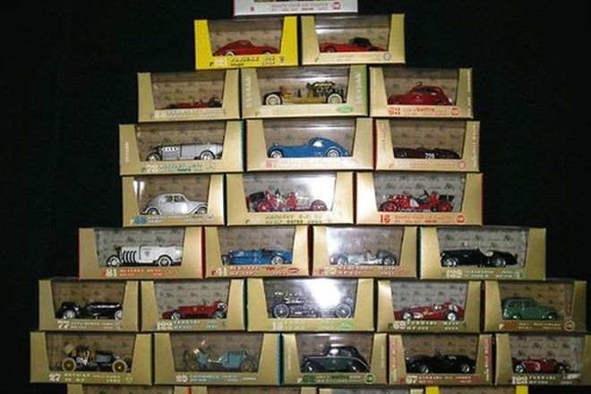 Model Cars - 30 x Brumm (Scale 1:43)