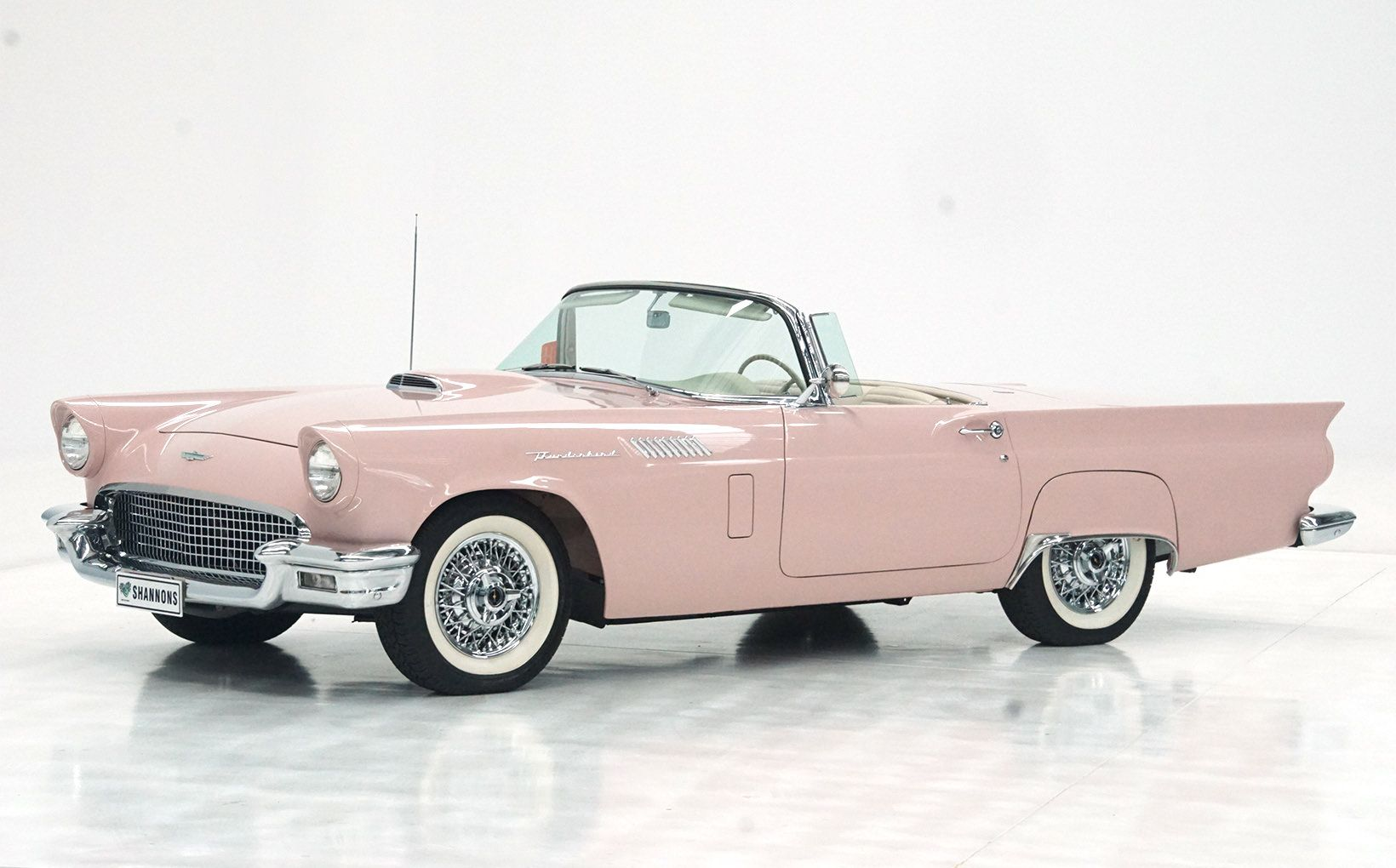 1957 Ford 312 V8 Convertible