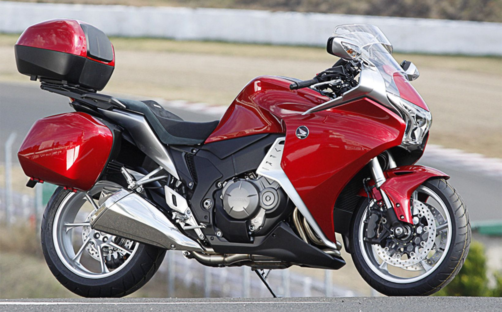 QUIKSPIN: Honda VFR1200 - Load Up - Shannons Club