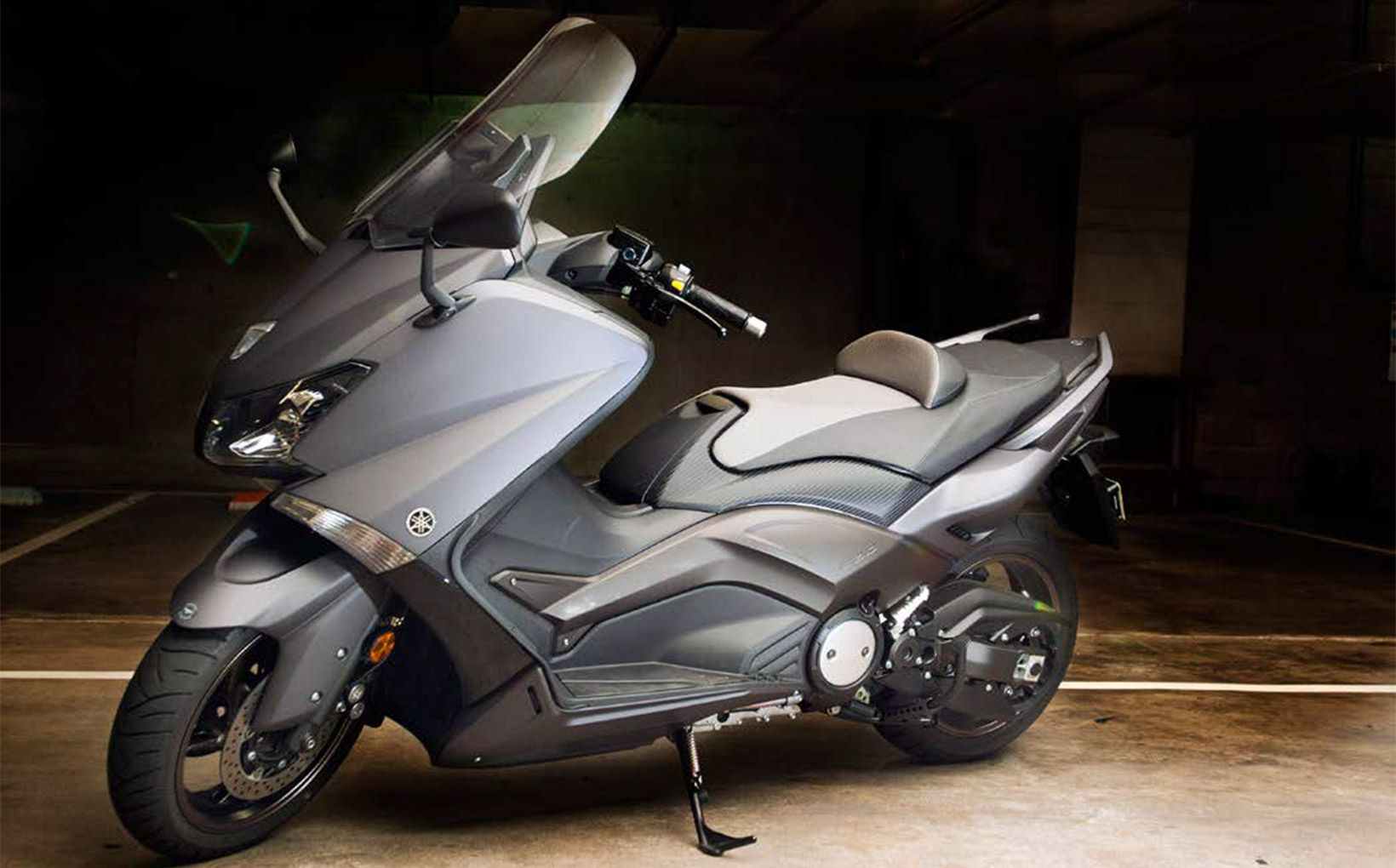 quikspin yamaha tmax 530 taking it to the max. Black Bedroom Furniture Sets. Home Design Ideas