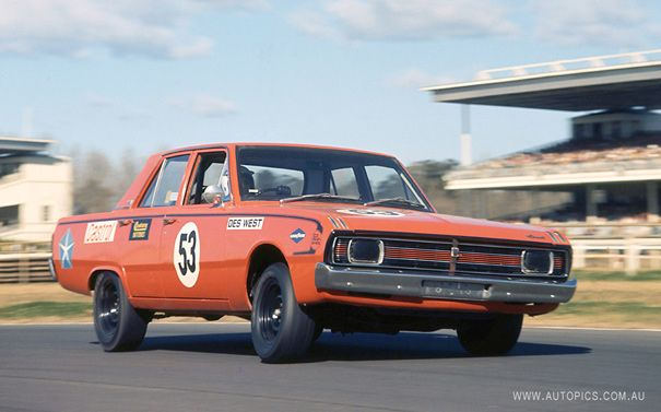 Six Appeal:VG Valiant Hemi Pacer - Shannons Club
