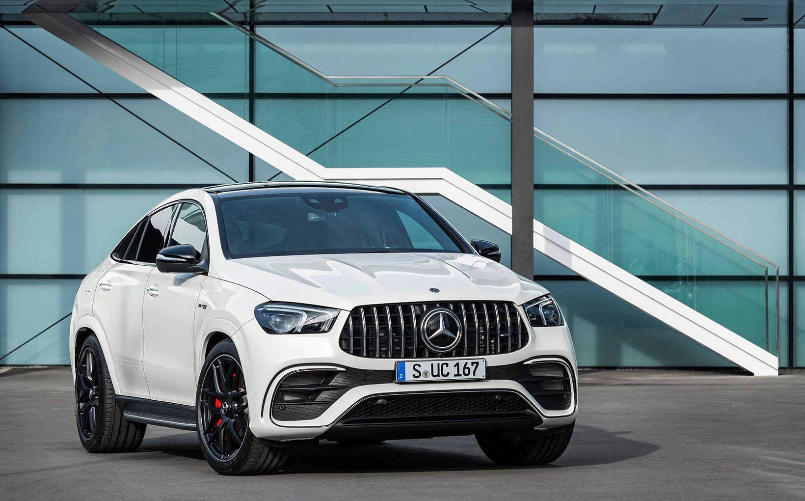 Mercedes Amg Blends Style And Substance With New Generation Gle63 S Coupe Shannons Club